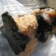 【お結び:雑穀おにぎり専門店 目白ファーム】 (たらこマヨネーズ&ゆず味噌)