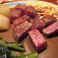 【鉄板焼:モンシェルトントン】 (トップサーロインステーキ レア&焼き野菜)2